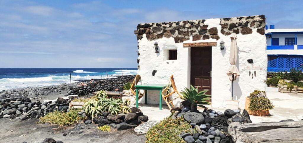 petite maison en bord de mer du village de El golfo à Lanzarote aux Canaries
