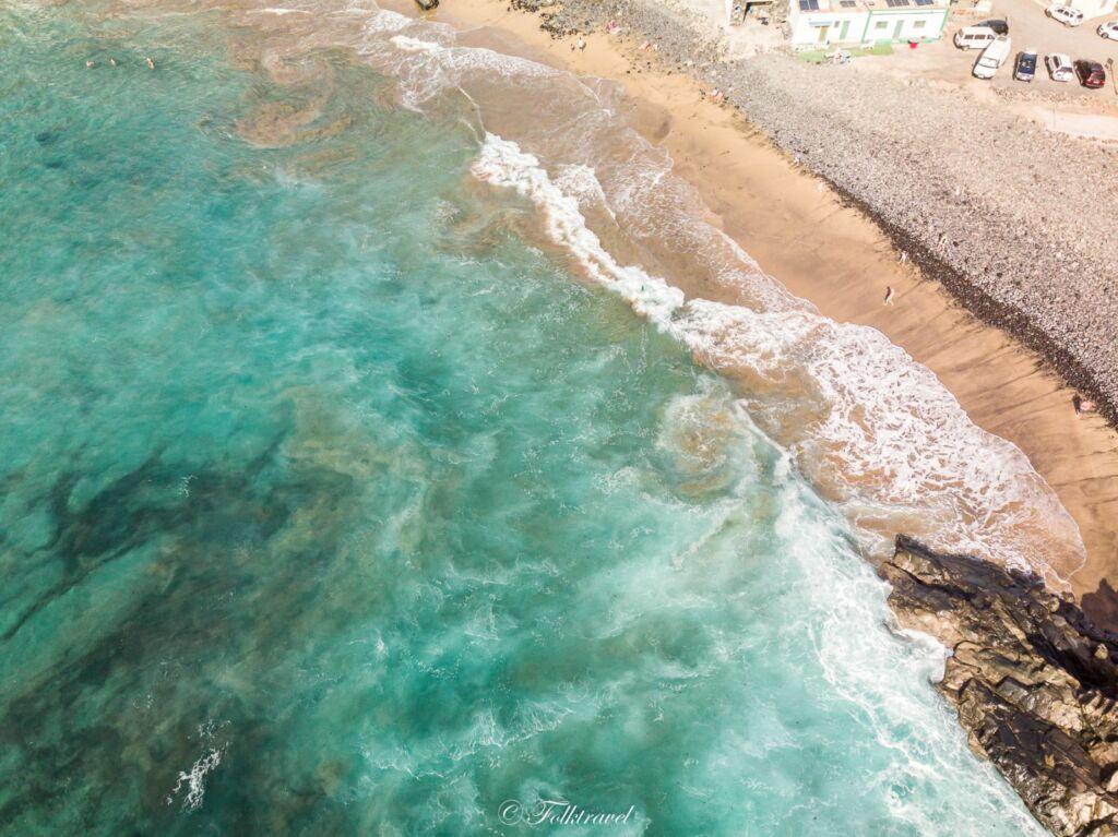 vue aérienne de la plage de Pozo negro à Fuerteventura