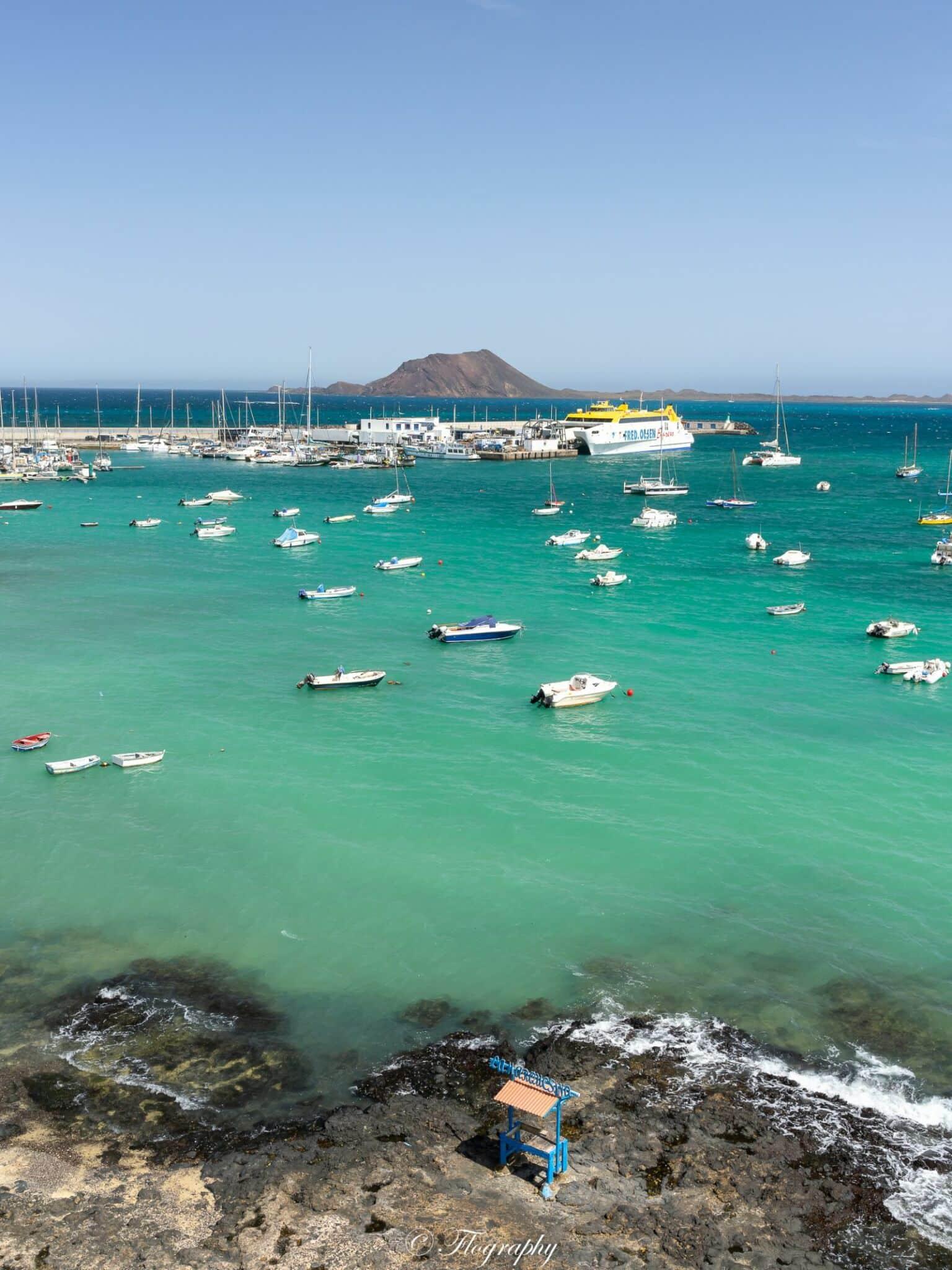 le port et le ferry de Corralejo à Fuerteventura