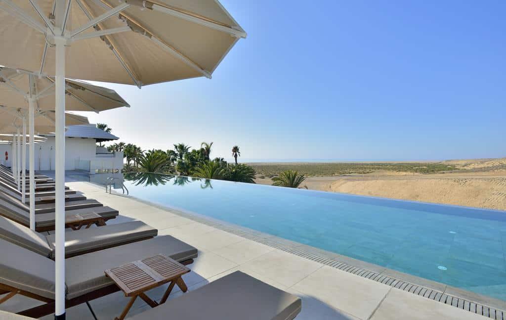 piscine de l'hôtel innside by mélia fuerteventura