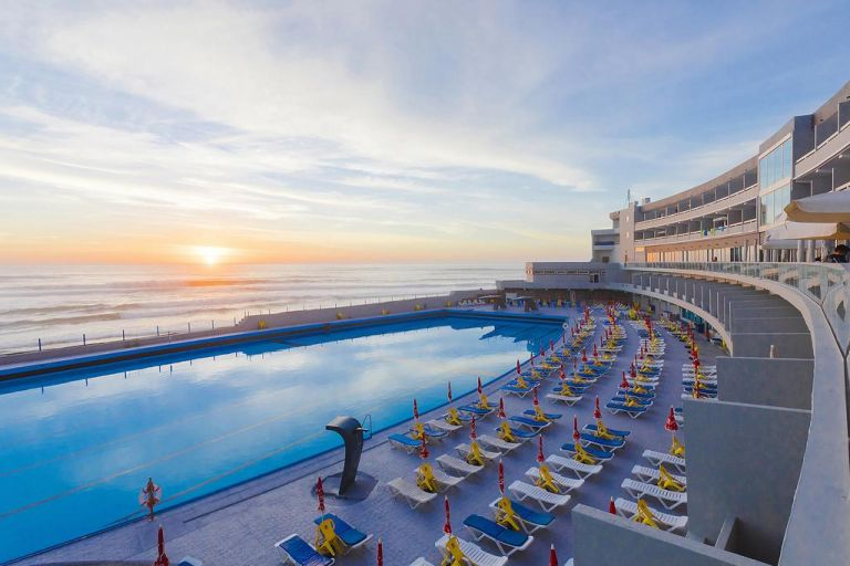 Hotel-arribas-sintra-piscine-sunset
