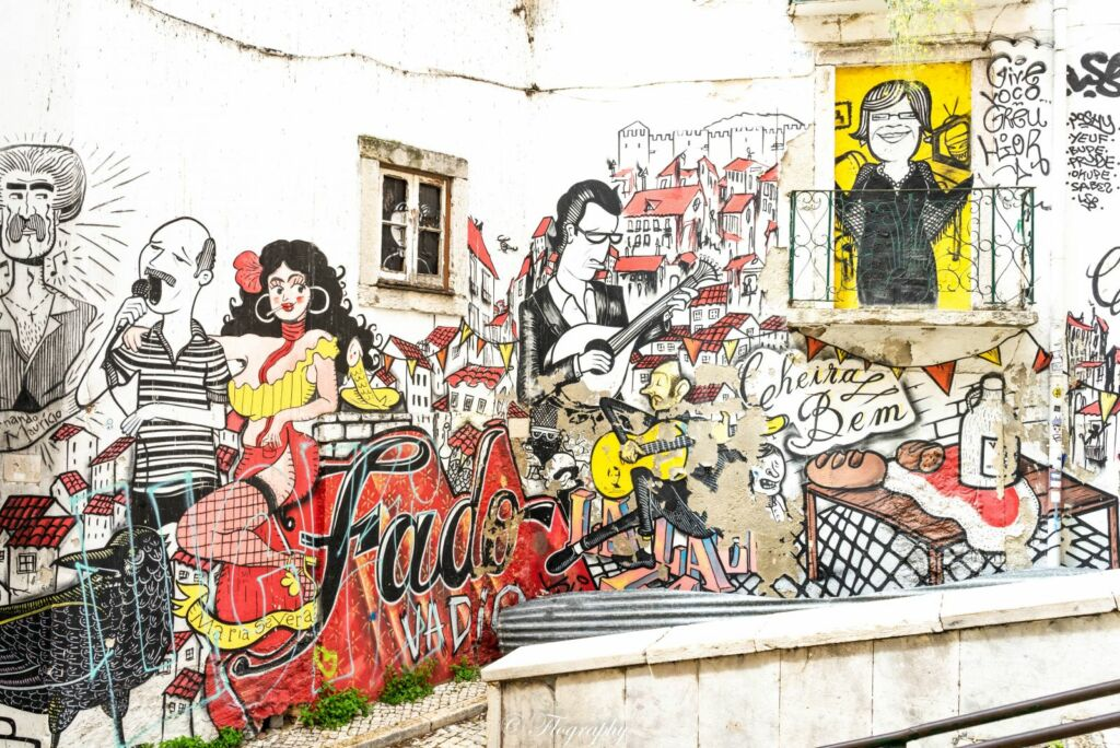 Street art fado à lisbonne la mouraria