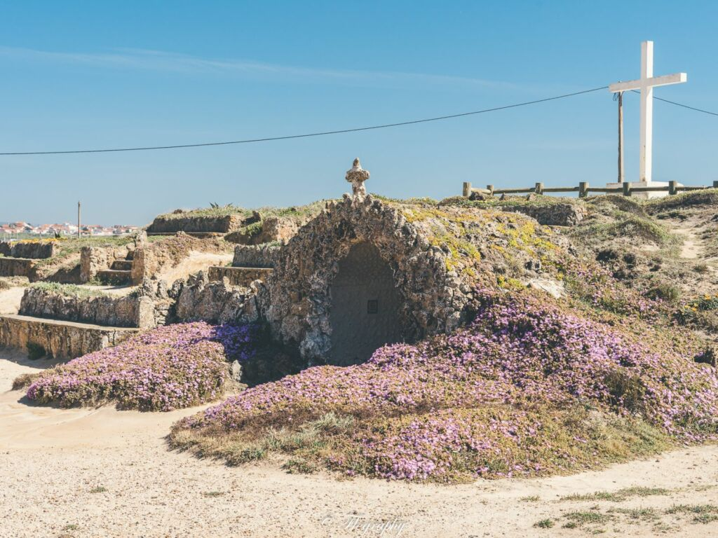 Ermida de Santa Helena à Santa-Cruz-Portugal lieu de culte chapelle