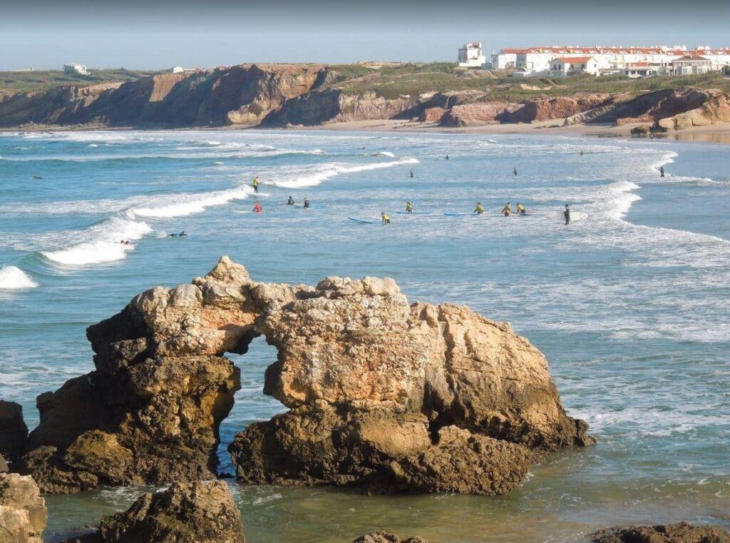 baleal island à Peniche au Portugal plage de surf