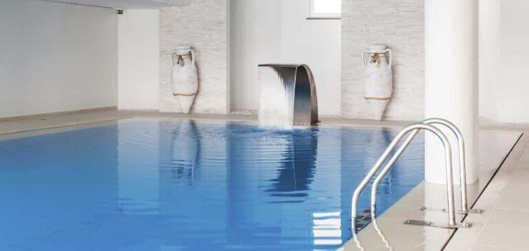 piscine à l'hôtel MH à Peniche au Portugal