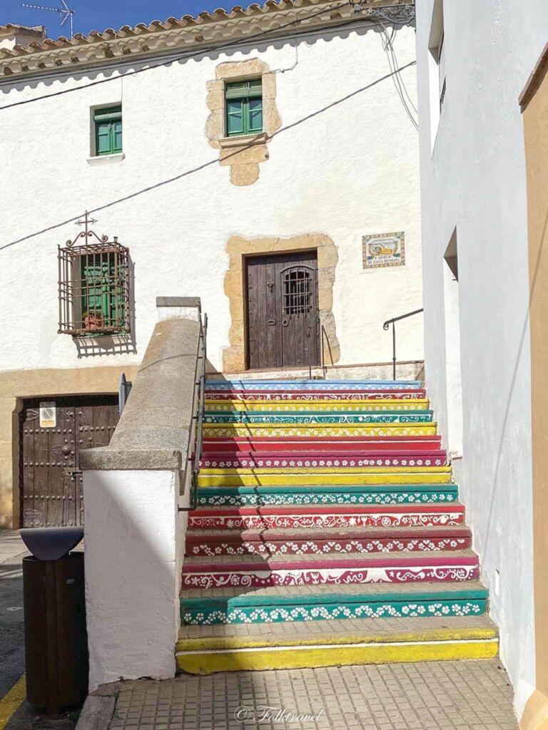 escalier coloré multi couleur begur costa brava catalogne espagne