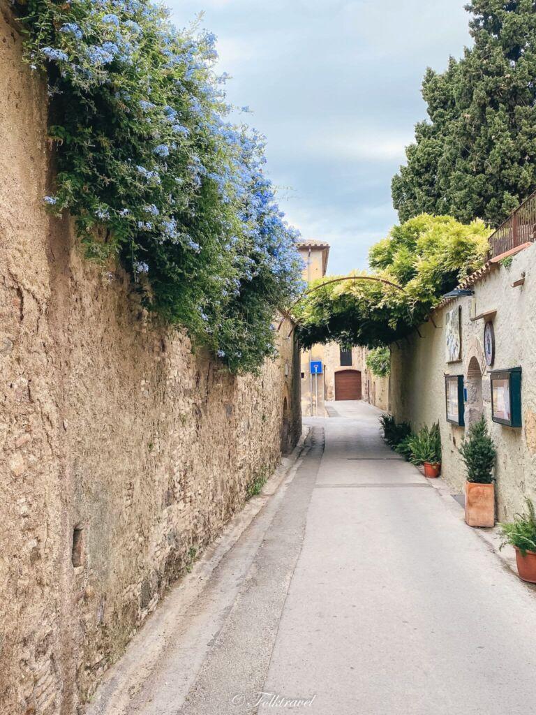 ruelle castello empuries espagne costa brava catalogne catalunya