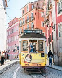 Tram de la ligne 28 à Lisbonne