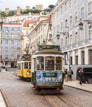 praca-figuera-lisbonne-tramway